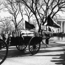 PRESIDENT JOHN F. KENNEDY LEAVES WHITE HOUSE FOR LAST TIME - 8X10 PHOTO (EE-137)