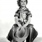 SHIRLEY TEMPLE LEGENDARY FILM ACTRESS - 8X10 PUBLICITY PHOTO (DA-054)