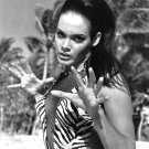 ACTRESS MARTINE BESWICK - 8X10 PUBLICITY PHOTO (AB-168)
