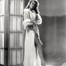 ACTRESS ELIZABETH MONTGOMERY - 8X10 PUBLICITY PHOTO (XBB-097)