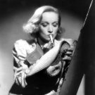 MARLENE DIETRICH LEGENDARY ACTRESS - 8X10 PUBLICITY PHOTO (DD-168)