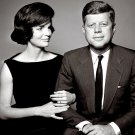 PRESIDENT JOHN F. KENNEDY WITH FIRST LADY JACQUELINE JACKIE 8X10 PHOTO (OP-078)