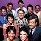 """HAPPY DAYS"" THE CAST FROM THE ABC TV SITCOM - 8X10 PUBLICITY PHOTO (OP-084)"
