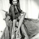 ACTRESS YVONNE De CARLO - 8X10 PUBLICITY PHOTO (OP-086)