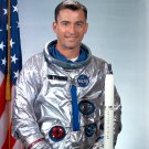 ASTRONAUT JOHN YOUNG - 8X10 NASA PHOTO (AA-505)