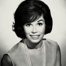 MARY TYLER MOORE TELEVISION AND FILM ACTRESS - 8X10 PUBLICITY PHOTO (ZZ-178)