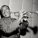 LOUIS ARMSTRONG LEGENDARY JAZZ TRUMPETEER SINGER - 8X10 PHOTO (DD-177)