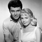 "SANDRA DEE AND JAMES DARREN IN THE FILM ""GIDGET"" - 8X10 PUBLICITY PHOTO (EE-158)"
