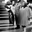 THE MAMAS AND THE PAPAS IN 1966 FOLK ROCK - 8X10 PUBLICITY PHOTO (EE-160)