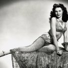 ACTRESS YVONNE De CARLO - 8X10 PUBLICITY PHOTO (EE-156)