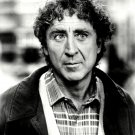 "GENE WILDER IN ""SEE NO EVIL, HEAR NO EVIL"" - 8X10 PUBLICITY PHOTO (ZY-291)"