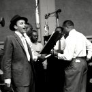 ENTERTAINER FRANK SINATRA IN RECORDING STUDIO - 8X10 PUBLICITY PHOTO (EP-776)