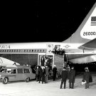 CASKET OF PRESIDENT JOHN F. KENNEDY ARRIVES AT ANDREWS AFB 8X10 PHOTO (BB-717)