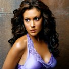 ACTRESS ALYSSA MILANO - 8X10 PUBLICITY PHOTO (AZ135)