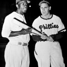 JACKIE ROBINSON WITH PHILLIES MANAGER BEN CHAPMAN - 8X10 SPORTS PHOTO (AZ144)
