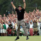 """PHIL MICKELSON WINS """"THE MASTERS"""" IN 2004 - 8X10 SPORTS PHOTO (AZ120)"""