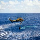 ALAN SHEPARD PICKED UP BY MARINE HELICOPTER FREEDOM 7 - 8X10 NASA PHOTO (AA-273)