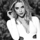 ACTRESS AND MODEL ASHLEY BENSON - 8X10 PUBLICITY PHOTO (AZ135)