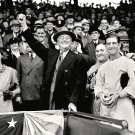 PRESIDENT FRANKLIN D ROOSEVELT THROWS THE FIRST PITCH IN 1936 8X10 PHOTO (AZ191)