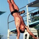 U.S. OLYMPIC DIVER GREG LOUGANIS - 8X10 SPORTS PHOTO (AZ196)