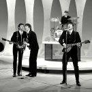 THE BEATLES PERFORM ON 'THE ED SULLIVAN SHOW' - 8X10 PHOTO (ZZ-044)