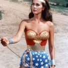 "LYNDA CARTER IN THE TV SERIES ""WONDER WOMAN"" - 8X10 PUBLICITY PHOTO (ZY-331)"