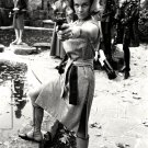 "HONOR BLACKMAN IN ""THE AVENGERS"" - 8X10 PUBLICITY PHOTO (AB-192)"