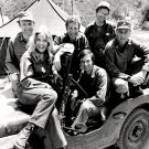 1974 CAST FROM THE CBS TV SERIES 'M*A*S*H' MASH - 8X10 PUBLICITY PHOTO (CC-049)