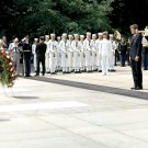 JOHN F. KENNEDY LAYS WREATH AT TOMB OF THE UNKNOWN SOLDIER 8X10 PHOTO (AA-349)