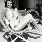 ACTRESS RITA HAYWORTH - 8X10 PUBLICITY PHOTO (NN-084)
