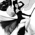ACTRESS DUSTY ANDERSON PIN-UP - 8X10 HALLOWEEN THEMED PUBLICITY PHOTO (ZY-367)