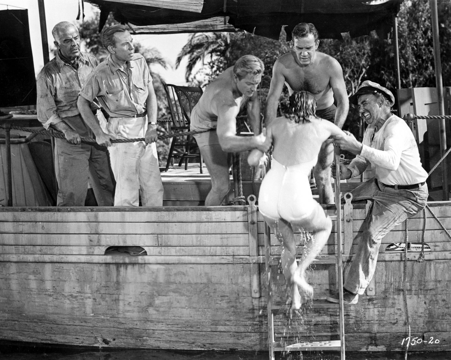"""RICHARD CARLSON, JULIE ADAMS & OTHERS IN """"CREATURE FROM THE BLACK LAGOON"""" 8X10 PHOTO (CC-182)"""