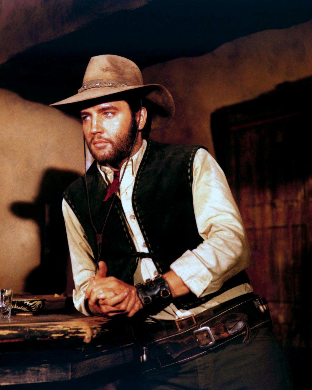 "ELVIS PRESLEY IN THE 1969 WESTERN FILM ""CHARRO!"" - 8X10 PUBLICITY PHOTO (CC-185)"