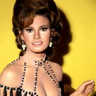 RAQUEL WELCH ACTRESS AND SEX-SYMBOL - 8X10 PUBLICITY PHOTO (SP-007)