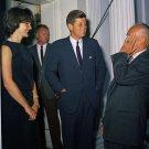 PRESIDENT JOHN F. KENNEDY WITH FIRST LADY JACKIE KENNEDY - 8X10 PHOTO (ZZ-888)