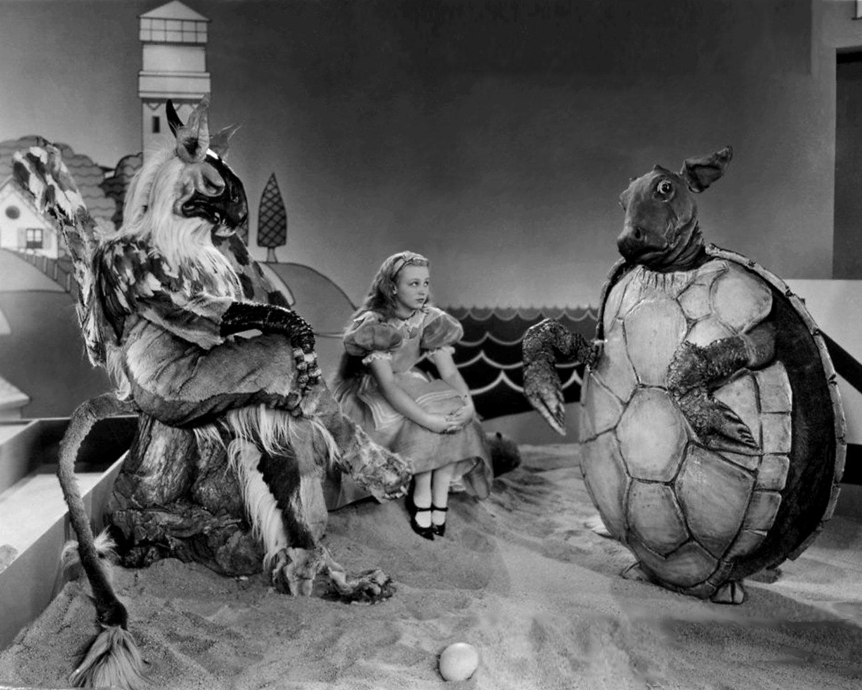 "CHARLOTTE HENRY IN THE FILM ""ALICE IN WONDERLAND"" 8X10 PUBLICITY PHOTO (NN-201)"