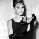 "AUDREY HEPBURN IN FILM ""BREAKFAST AT TIFFANY'S"" - 8X10 PUBLICITY PHOTO (NN-232)"