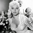 DIANA DORS ENGLISH ACTRESS AND SEX-SYMBOL PIN-UP - 8X10 PUBLICITY PHOTO (ZY-404)