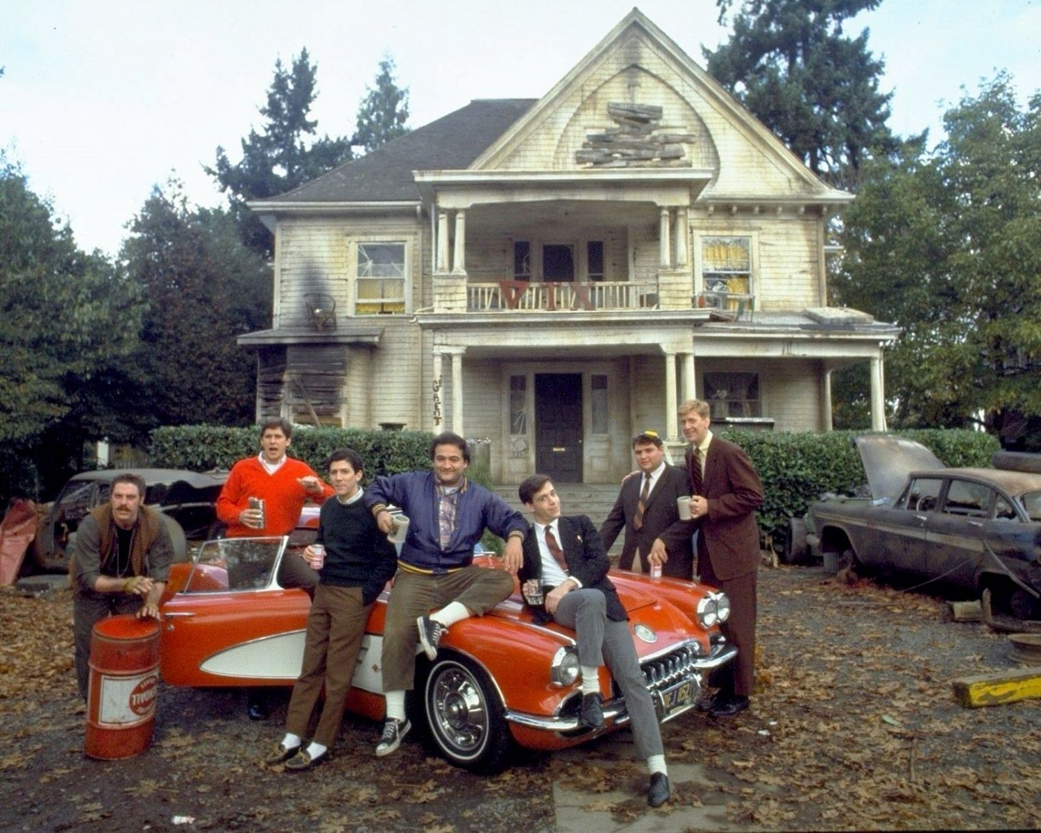 """CAST FROM THE 1978 FILM """"ANIMAL HOUSE"""" JOHN BELUSI 8X10 PUBLICITY PHOTO (ZY-476)"""