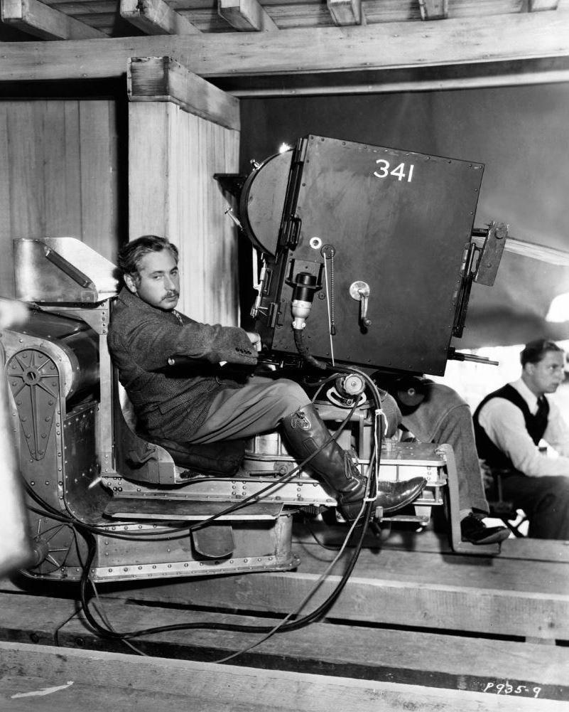 JOSEF VON STERNBERG AUSTRIAN FILM DIRECTOR - 8X10 PUBLICITY PHOTO (ZY-478)