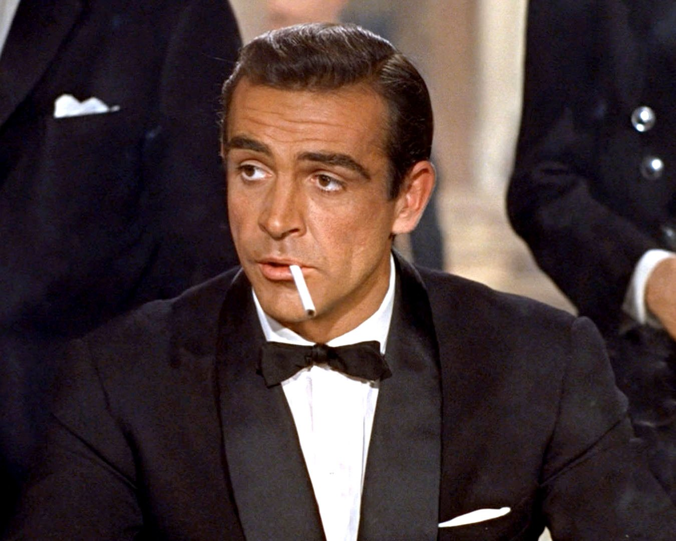 """SEAN CONNERY AS """"JAMES BOND"""" IN THE 1962 FILM """"DR. NO"""" - 8X10 PHOTO (ZY-495)"""