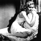 """EVA MARIE SAINT IN THE FILM """"ON THE WATERFRONT"""" - 8X10 PUBLICITY PHOTO (OP-103)"""
