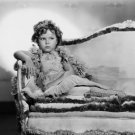 SHIRLEY TEMPLE FILM LEGENDARY ACTRESS- 8X10 PUBLICITY PHOTO (DA-064)