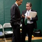 PRESIDENT BARACK OBAMA BRIEFED BY GENE SPERLING IN 2011 - 8X10 PHOTO (ZY-553)