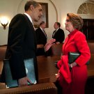 BARACK OBAMA SPEAKS WITH NANCY PELOSI IN THE CABINET ROOM - 8X10 PHOTO (ZY-578)