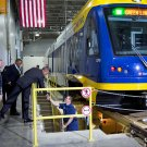 BARACK OBAMA TOURS METRO TRANSIT FACILITY IN ST. PAUL, MN - 8X10 PHOTO (ZY-590)