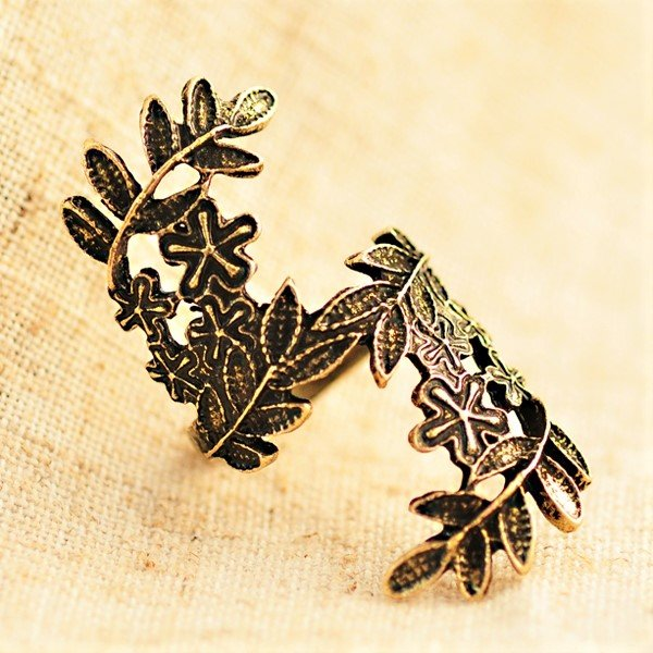 Unique Retro Vintage Bronze Carving Flower Leaf Ring