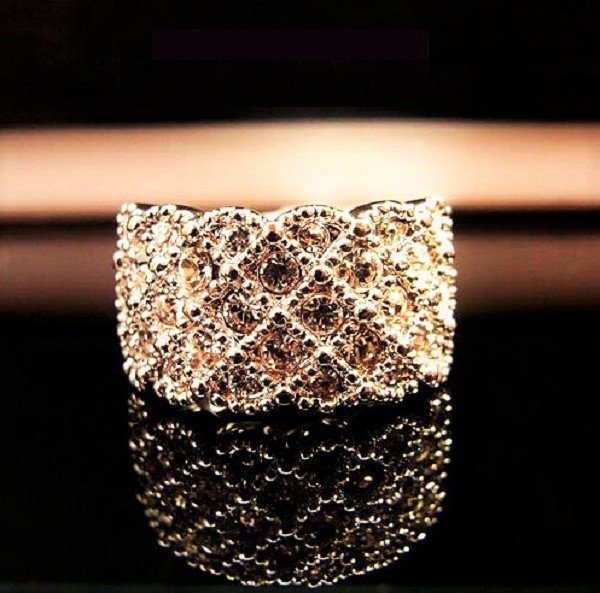 Exquisite Stylish Elegant Noble Gold Plated Shiny Crystal Rhinestone Finger Wide Band Ring
