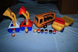 Vintage 8 Little tikes little people, 4 vehicles.