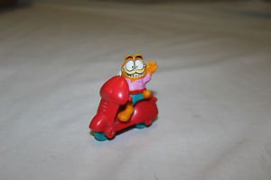 McDonald's happy meal toy 1988 Garfield, Odie and scooter.